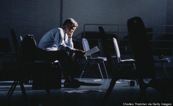 9 razões pouco óbvias por que você está de mau humor (e como resolver o