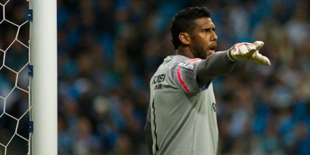 Racismo no futebol: STJD adia partida entre Santos e