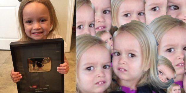 Queridinha dos memes, Chloe ganha 'troféu' por 100 mil seguidores do canal de sua família no