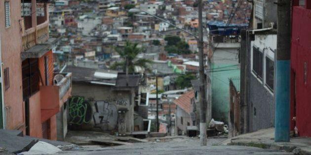 Rua no bairro da Brasilândia, na periferia da cidade de São