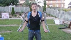 Engenheiro cria exoesqueleto no quintal de