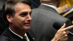 Após sugerir estupro contra Maria do Rosário, Bolsonaro diz que a colocou 'no devido