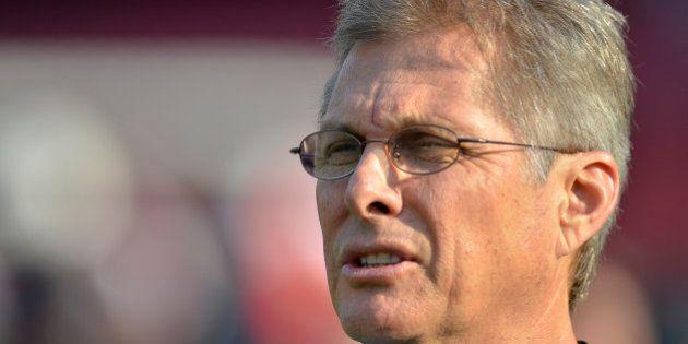 Após reunião, Santos demite técnico Oswaldo de