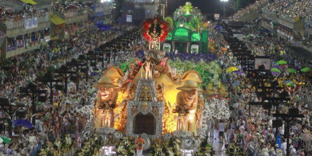 Mocidade e Salgueiro são favoritas na primeira noite de desfiles no Rio de