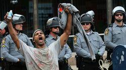 Seis policiais serão processados por morte de jovem negro em