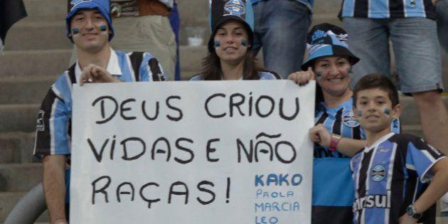 Após caso de racismo, Fifa diz apoiar exclusão do Grêmio na Copa do