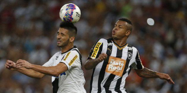 Campeonato Carioca: No Maracanã, Vasco vence Botafogo e é campeão depois de 12