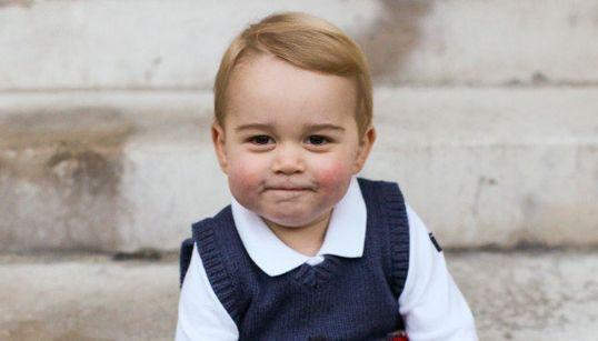 Pura simpatia! Novas fotos do príncipe George vão derreter seu