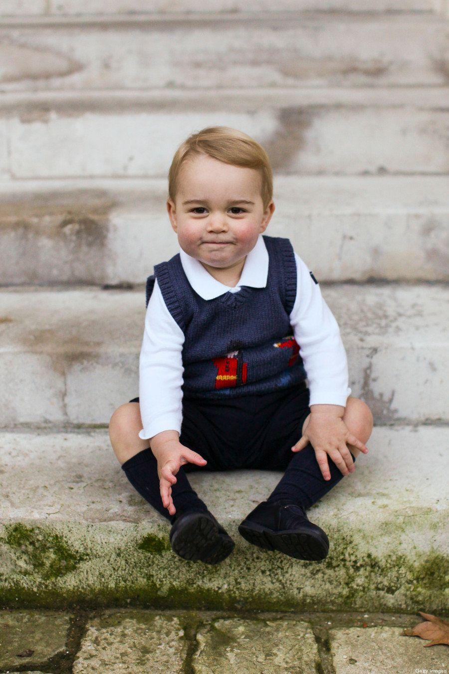 Família Real divulga novas fotos do Príncipe George e mais uma vez ele é o 'Rei da Simpatia'