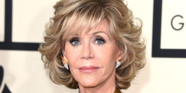 Atriz Jane Fonda diz que ainda fuma