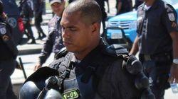 ASSISTA: PM se exalta e agride manifestantes sem motivo no