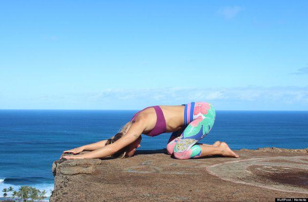 11 posturas básicas de yoga que todo mundo finge que sabe,