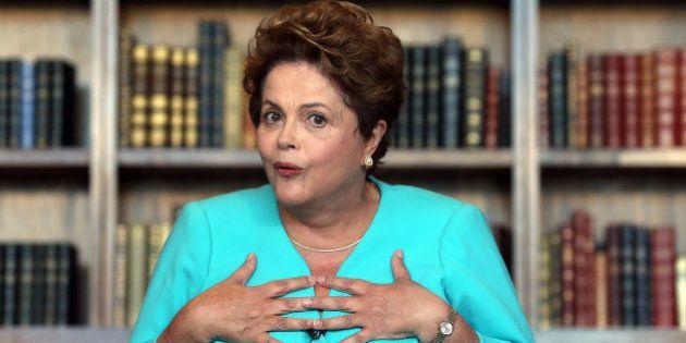 'Não deixamos nada debaixo do tapete. Vamos investigar', diz Dilma sobre suposto esquema de corrupção...