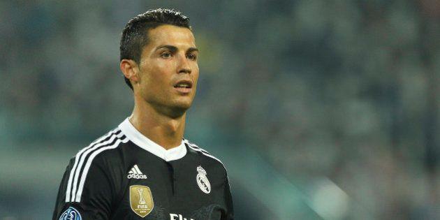 Cristiano Ronaldo defende fã japonês que fez pergunta em