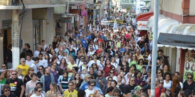Há quase dois meses em greve, professores de Santa Catarina ocupam o prédio da Secretaria da Educação...