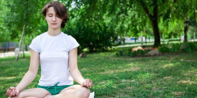 Meditação pode proteger o cérebro dos sinais do envelhecimento, aponta