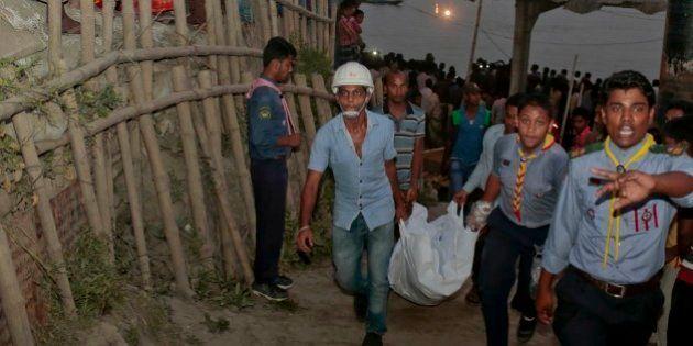 Balsa vira após colisão e deixa ao menos 33 mortos em