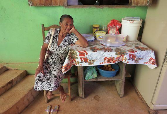 Ela teve 18 filhos, adotou 28 e acompanhou 308 partos. Conheça Dona