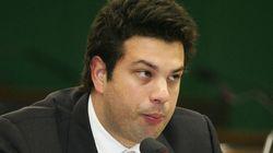Ops! Líder do PMDB orienta bancada contra proposta e acaba votando a