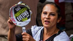 Professores fazem passeata e batem panela contra Alckmin em