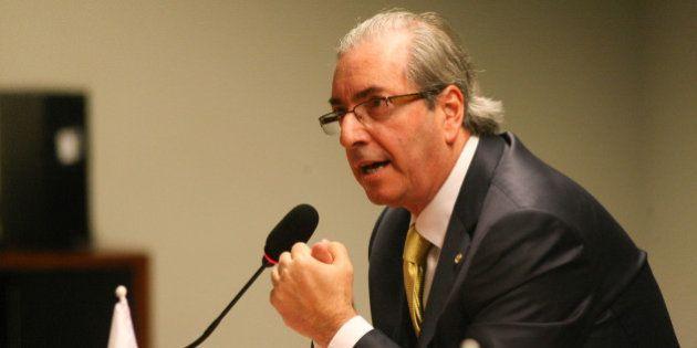 Eduardo Cunha autoriza pagamento de passagens para mulheres e maridos de parlamentares e reajusta