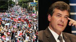 No dia em que 40 mil protestaram, Beto Richa faz promessas e recua no