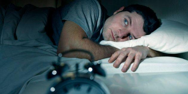8 alimentos que ajudam você a dormir