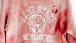 Marca vende blusa 'manchada de sangue' e ofende vítimas de