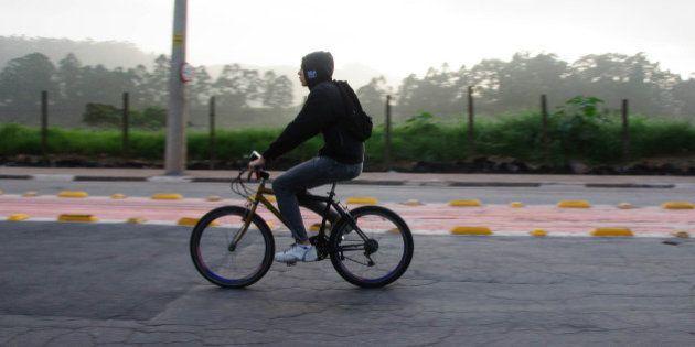 Projeto de lei que cria curso de capacitação para ciclistas causa mal-entendido em