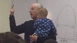 Em Jerusalém, professor acalma bebê de aluna que não parava de