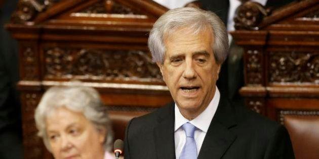Vázquez assume presidência do Uruguai prometendo aproveitar