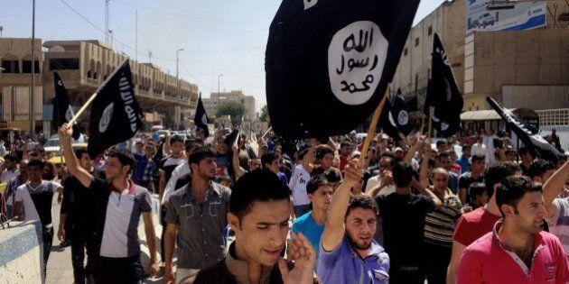 Estado Islâmico liberta 19 cristãos; mais de 200 continuam