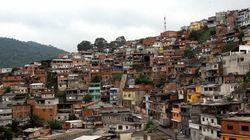 Moradores de favelas consomem, e MUITO: R$ 68,6 bilhões por