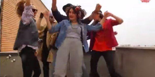 Tribunal do Irã condena seis jovens a chicotadas e detenção por gravarem vídeo dançando 'Happy'