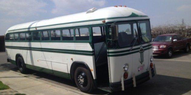Do Good Bus: ônibus leva pessoas para voluntariado