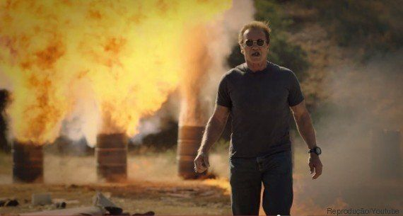 Schwarzenegger levará alguém para explodir um monte de coisas e financiar projeto
