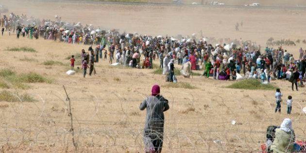 Cerca de 60 mil curdos sírios já fugiram para Turquia com avanço do Estado