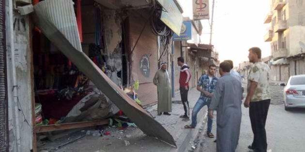 Ataques da coalizão internacional contra Estado Islâmico e grupos ligados à Al Qaeda deixam pelo menos...
