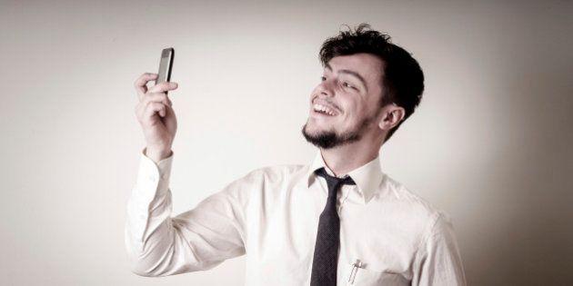Homens são mais narcisistas que as mulheres, diz