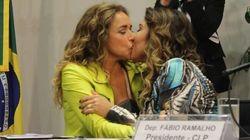 Amor no Congresso Nacional: O beijo de Daniela Mercury e esposa, Malu, contra o