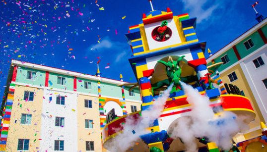 Este hotel feito de Lego -- sim, de Lego! -- veio dos nossos