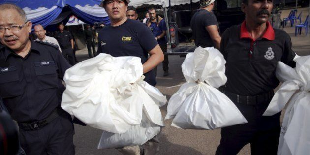 Malásia encontra 139 covas clandestinas; vítimas podem ter sido torturadas e mortas por