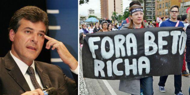 Juristas apresentam pedido de impeachment de Beto Richa na Assembleia
