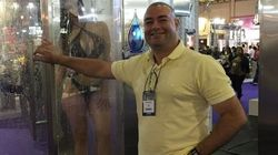 Brasileiro cria chuveiro 'infinito' que promete banho com apenas 10 litros de