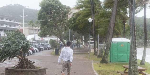 Ciclone Pam atinge Vanuatu, país ao nordeste da Austrália. Número de mortos é superior a