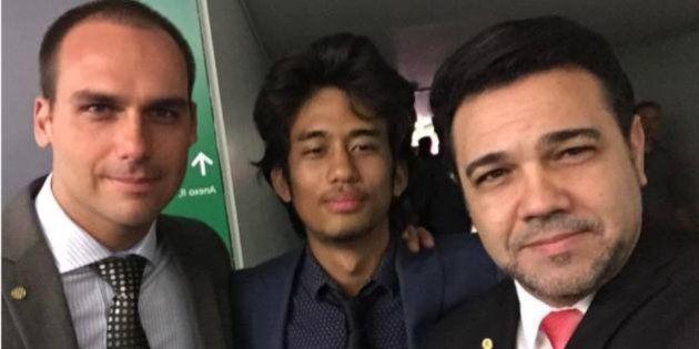 'Dia agitado em Brasília': Feliciano posta selfie com Kim Kataguiri e filho de
