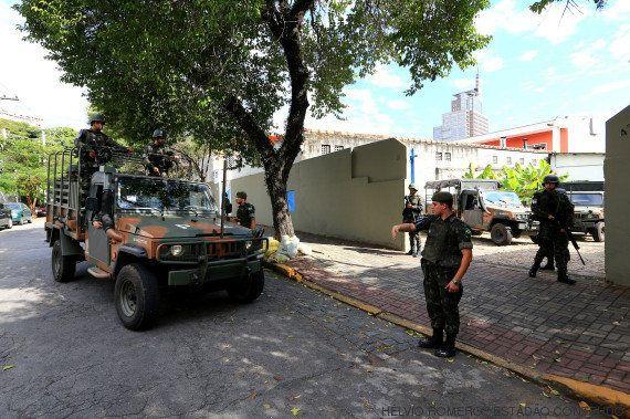 Exército realiza exercício de ocupação na sede da
