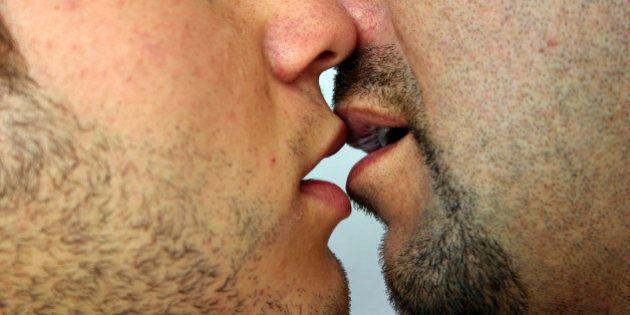 'Falta empatia social dos próprios gays na luta contra a