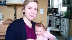 ASSISTA: Bebê dá gargalhadas com sua mãe comendo