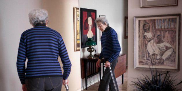 Fotógrafa brasileira retrata idosas que vivem sozinhas em Nova York
